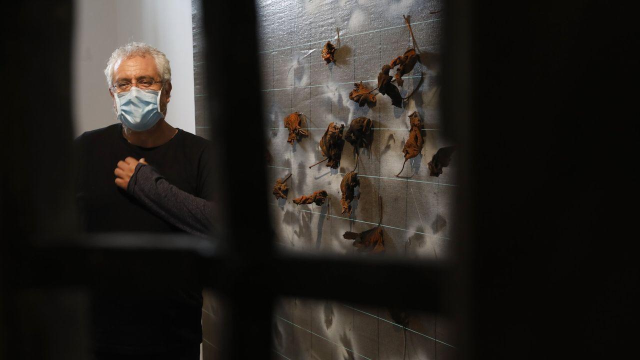 El artista Alberto Pena ocupa los espacios de las celdas de mujeres de O Vello Cárcere