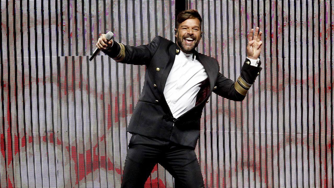 Ricky Martin hace vibrar el Monte do Gozo.Guerrero, en un ensayo con la Orquesta Sinfónica de Galicia