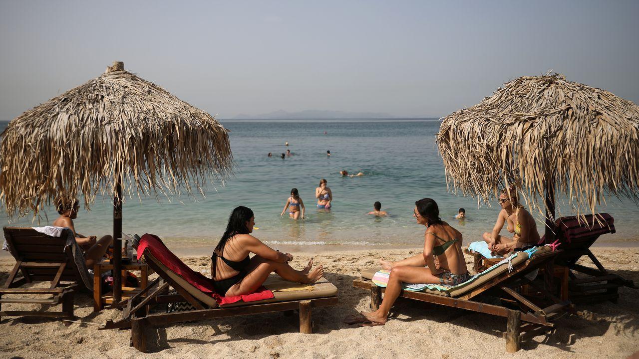 Las playas se reabrieron este sábado en Grecia