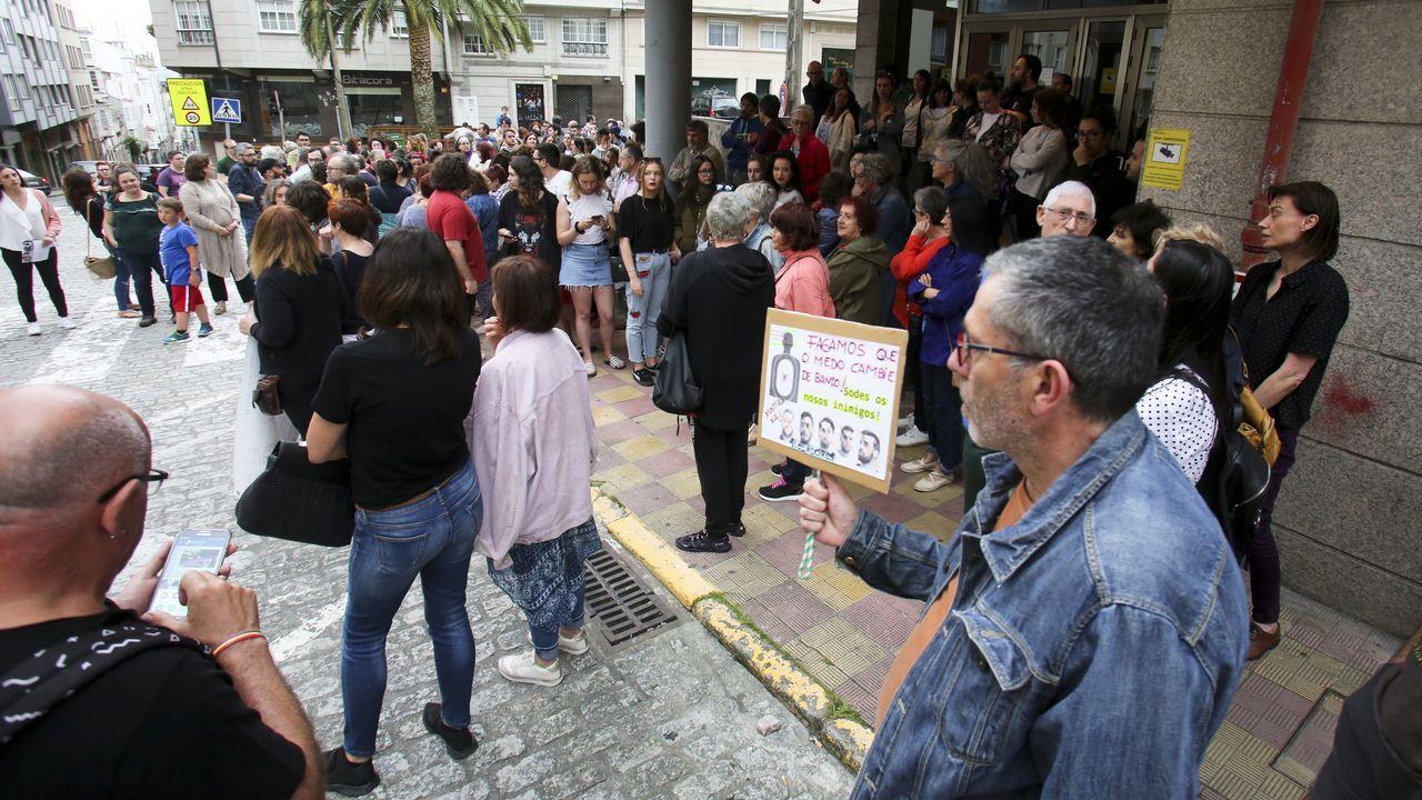 Concentración en Ferrol contra la libertad provisional de La Manada