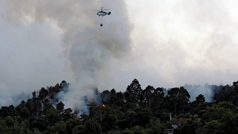 Más de setenta hectáreas quemadas en Ourense.Sergio García dará nombre desde hoy a una plaza en Cádavos.