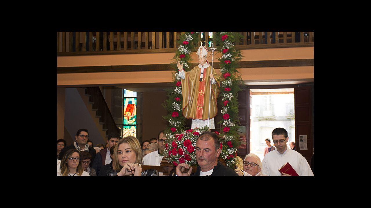 «Intentaremos que el Papa visite Galicia el próximo año santo».El músico asturiano José Ángel Hevia