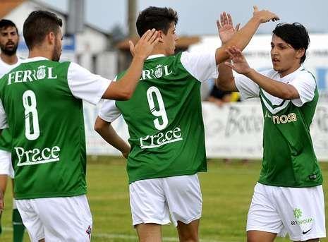 asdf.El brasileño Luis Henrique (derecha) es uno de los jugadores sobre los que el Racing decidirá hoy.