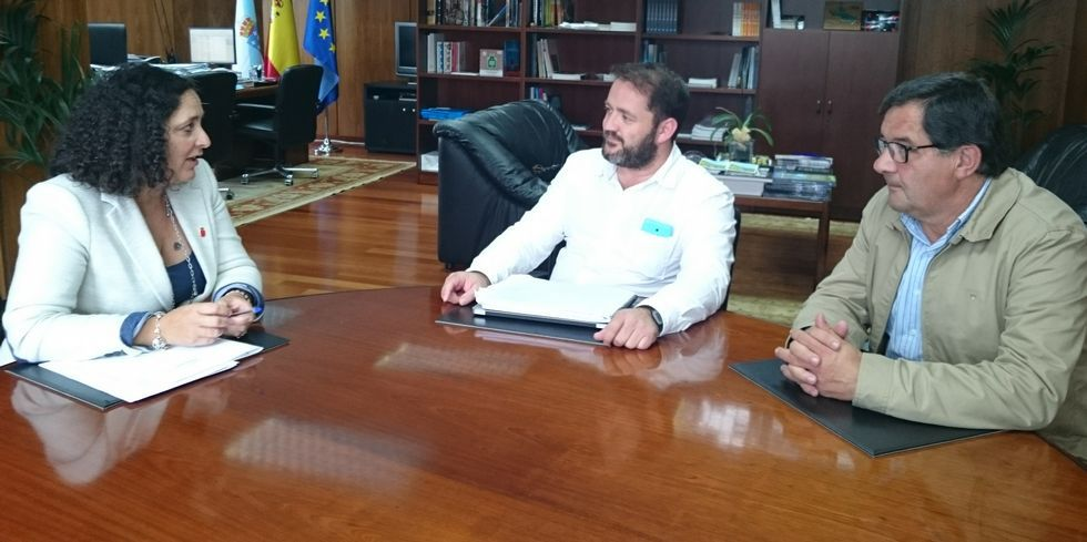 Belén do Campo, Lois García y Pose Verdes, en la reunión del martes.
