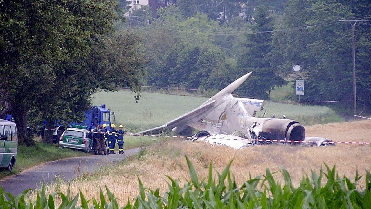 El AVE avanza hacia la frontera con Galicia.El último accidente grave. Dos aviones chocaron en vuelo en julio del 2002 en Suiza, causando 71 víctimas mortales. Dos años después, un hombre que perdió a su mujer y a sus dos hijos en el accidente asesinó al controlador, a quien culpaba del siniestro