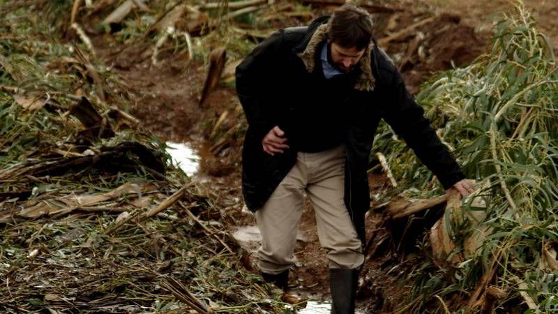 Nieve en las zonas altas de la montaña de A Coruña.José Antonio, en el medio, acaba de encontrar trabajo.