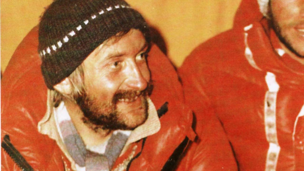 El Everest,el basurero más alto del mundo.El alpinista polaco Krzystof Wielicki, en febrero de 1980, tras la primera ascensión invernal del Everest