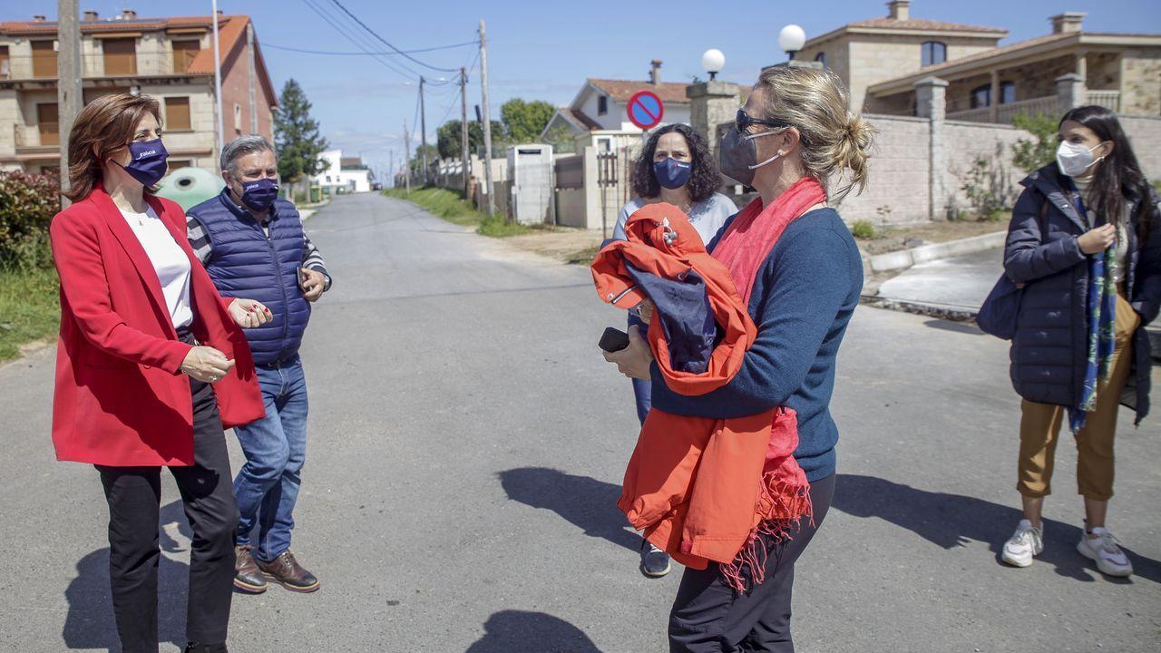 Odile Rodríguez de la Fuente mantuvo un encuentro con la conselleira de Medio Ambiente, Territorio e Vivenda, Ángeles Vázquez, en Ribeira