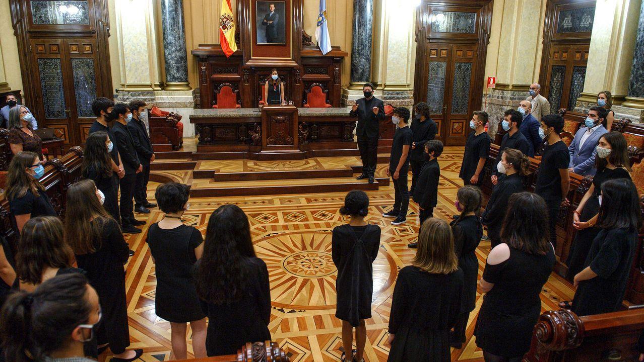 O BNG celebra o Día de Galicia nas sete cidades.Ana Pontón na compostelana praza da Quintana