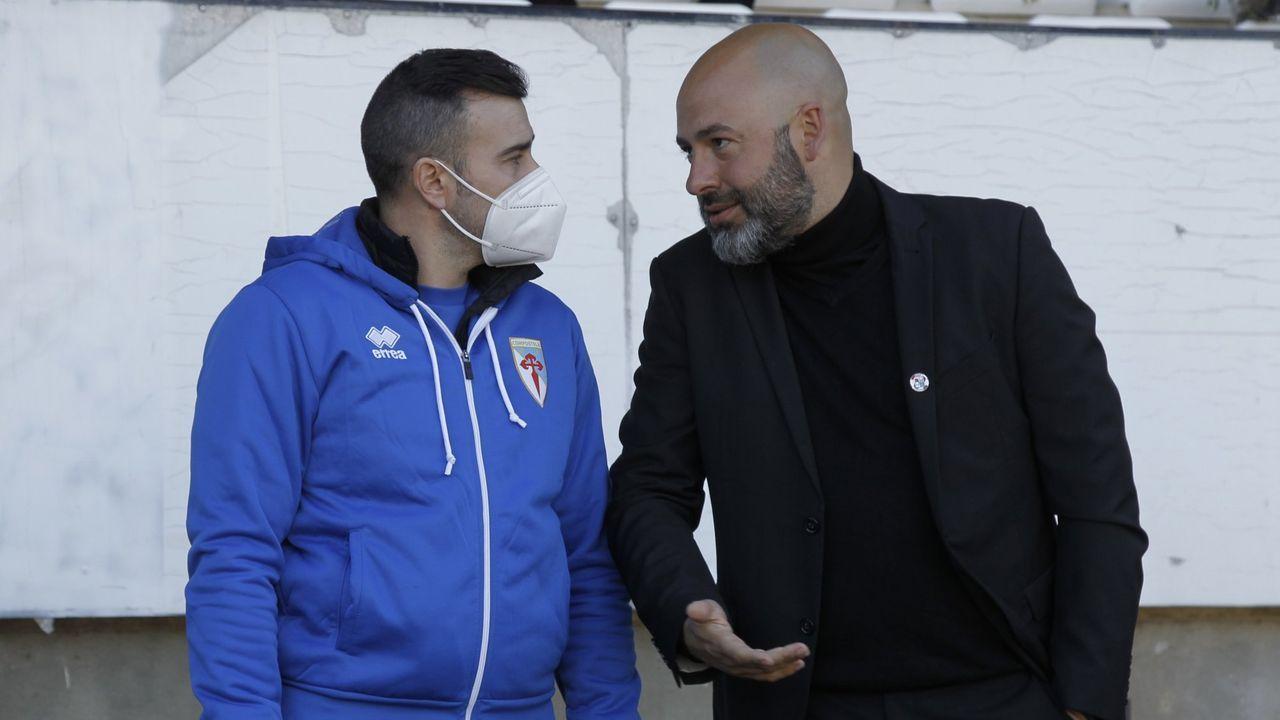 Movilla charla con Yago Iglesias antes del partido entre el Zamora y el Compos en el Ruta de la Plata