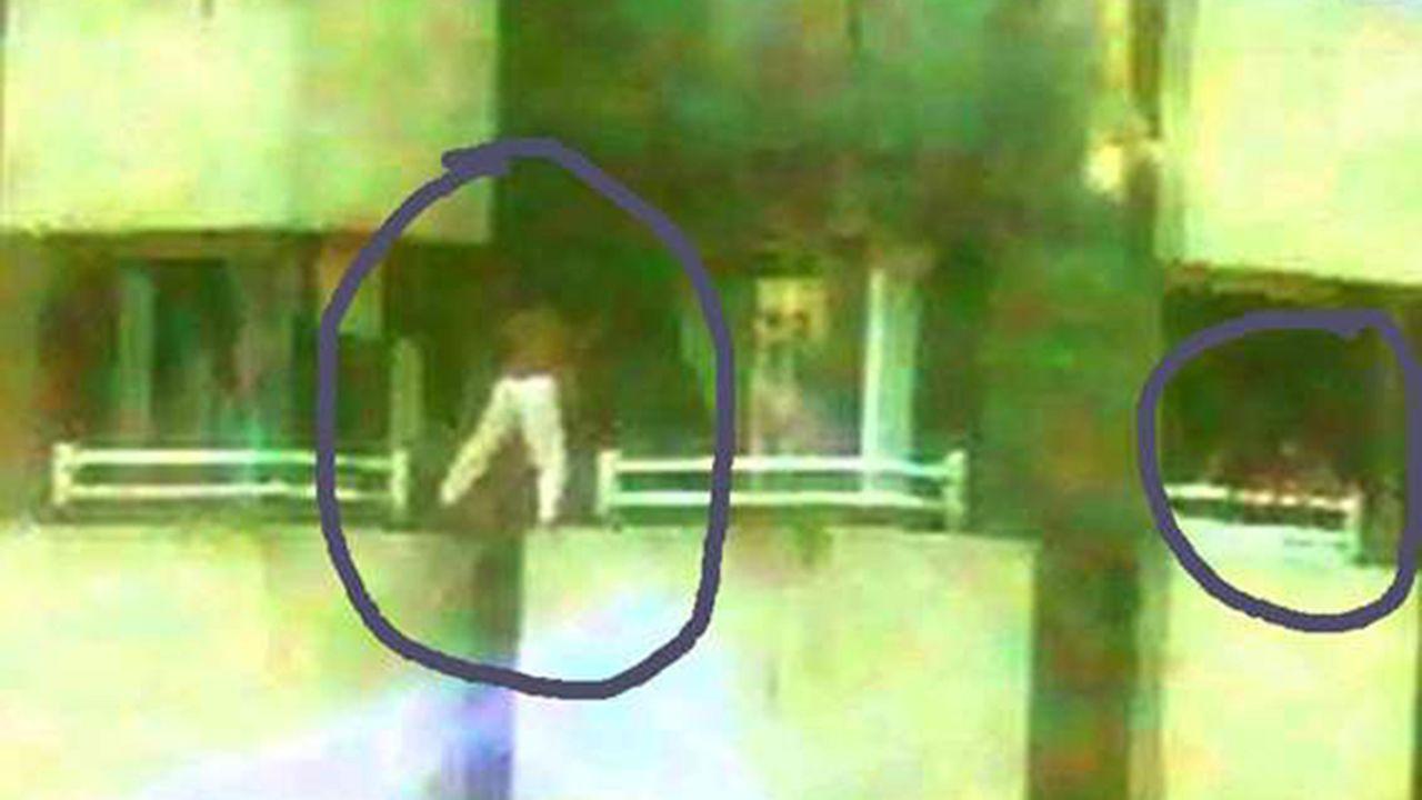 Tres niños «juegan» a saltar de ventana en ventana en Gijón