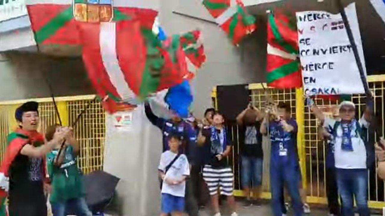 Luis César,un gallego de dilatada trayectoria.Rozada saluda a Carrión antes del Real Oviedo-Numancia