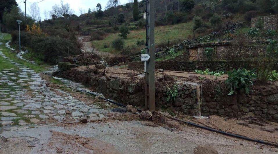 Cerrado el acceso a As Ermidas en O Bolo por derrumbes
