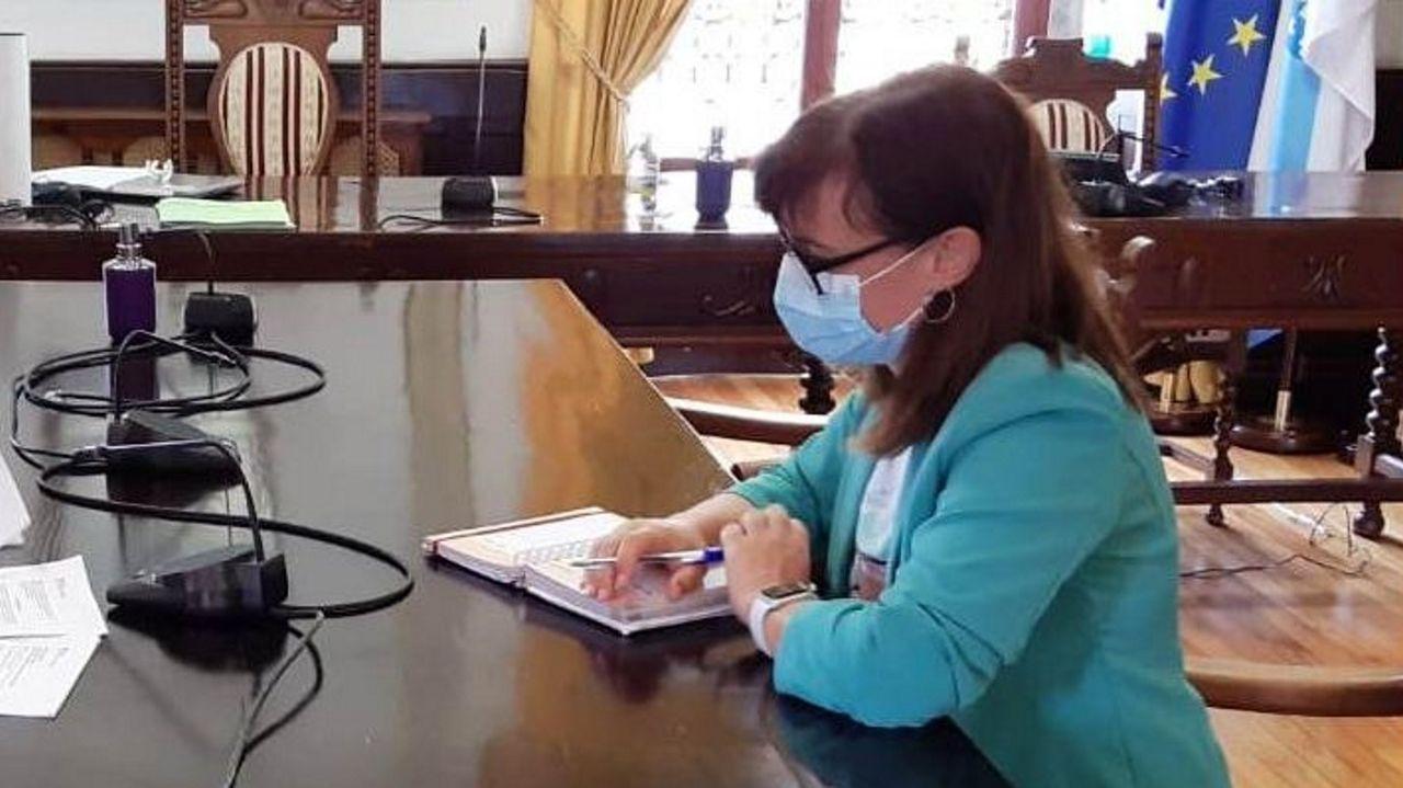 La alcaldesa, Ana Ermida, en una reunión celebrada a mediados del año pasado