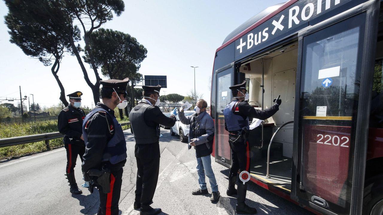 Los carabinieri en un punto de control