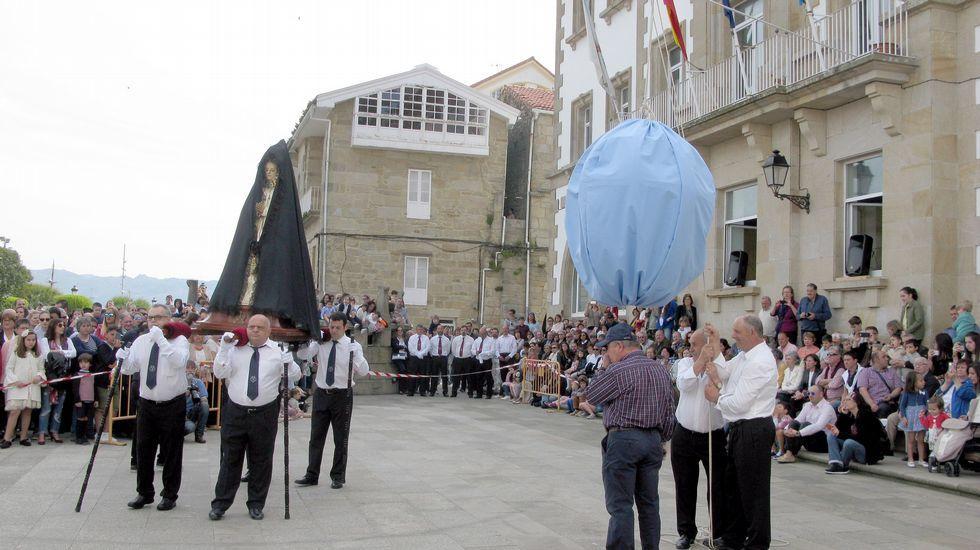 Procesión de la palomita (Muros).