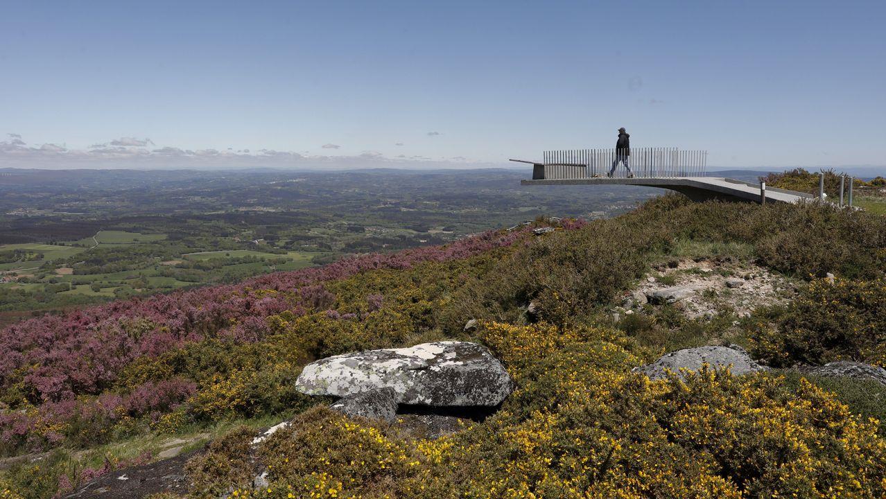 Desde el mirador del monte Farelo se puede todo el centro de Galicia