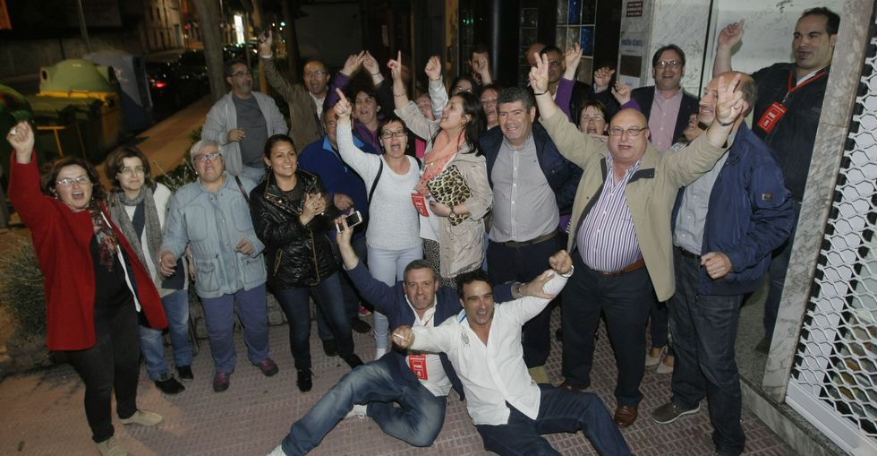 Los socialistas de Burela celebraron anoche la victoria por todo lo alto.