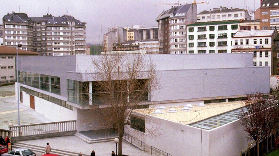 Pabellones como el del CEIP San Francisco Javier en A Coruña son utilizados fuera del horario escolar para actividades deportivas abiertas a la comunidad