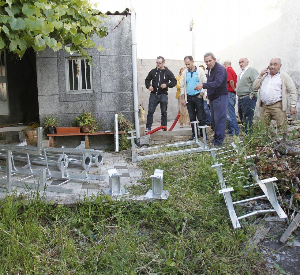 Los vecinos rechazan la antena de la rúa Divina Pastora.
