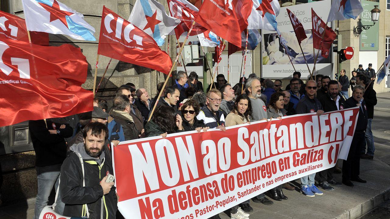 Manifestación en A Coruña contra el ERE en el Santander