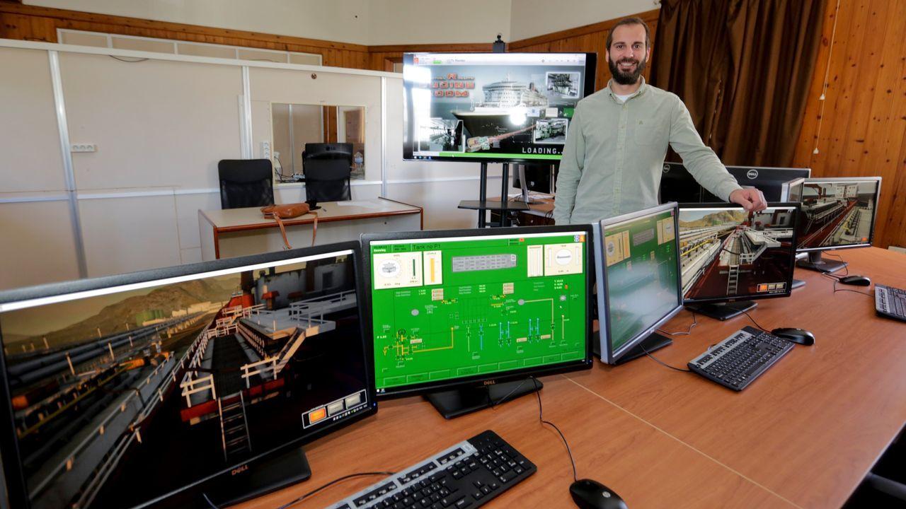 Manuel Romero, director de la Escuela Técnica de Náutica de la UDC