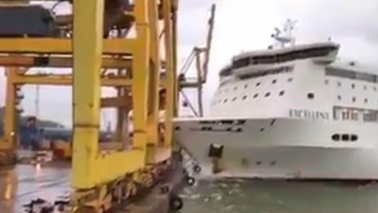 ¿Por qué ha chocado el ferry en el puerto de Barcelona?.Barcelona