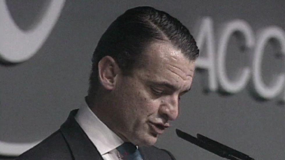 Ascenso y caída de Mario Conde.Mario Conde en una de las imágenes que ha colgado en las redes sociales.