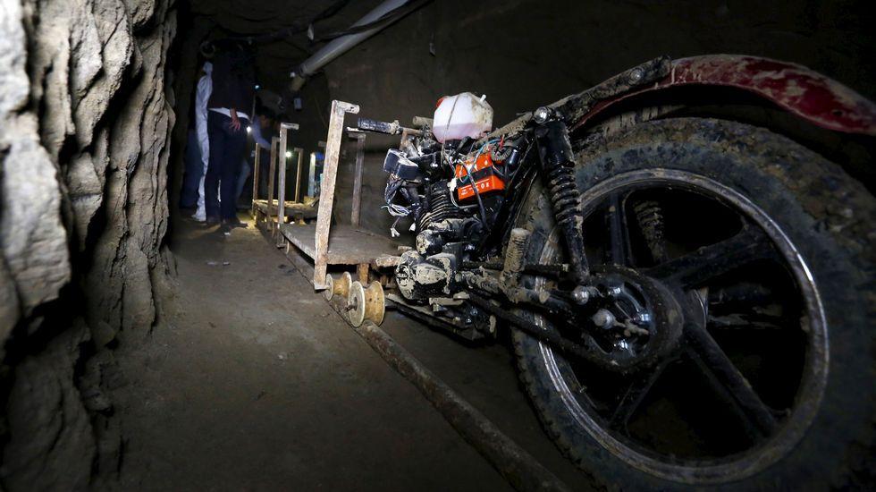 Las imágenes de la celda y el túnel por el que escapó «El Chapo» Guzmán.Manifestación a favor del Chapo Guzmán en febrero del año pasado