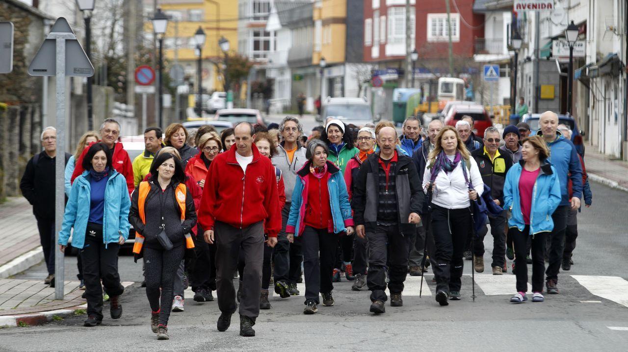 Los peregrinos asturianos, este sábado en la avenida de Galicia de A Pobra do Brollón