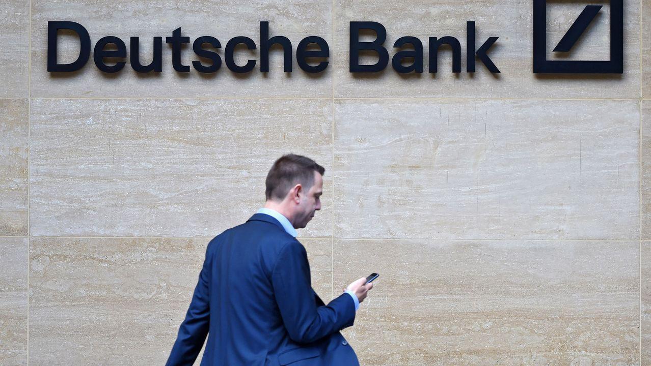 Niño Becerra: «El poder, más que el Estado, lo tendrán cada vez más las grandes empresas».Sede de Liberbank en Oviedo, edificio Liberbank