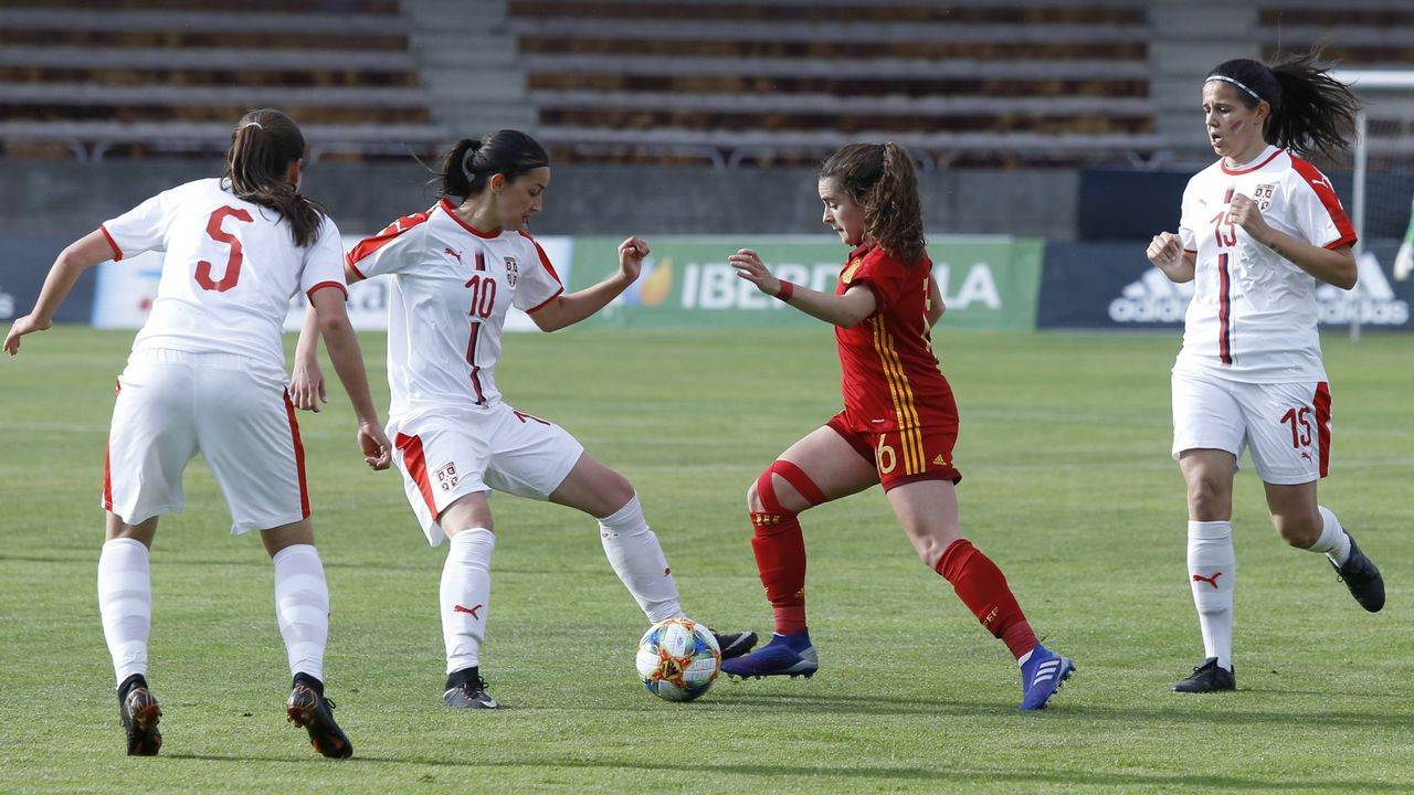 Lucía García, la estrella de Pola del Pino en la selección española.Gaizka Garitano en Día do adestrador