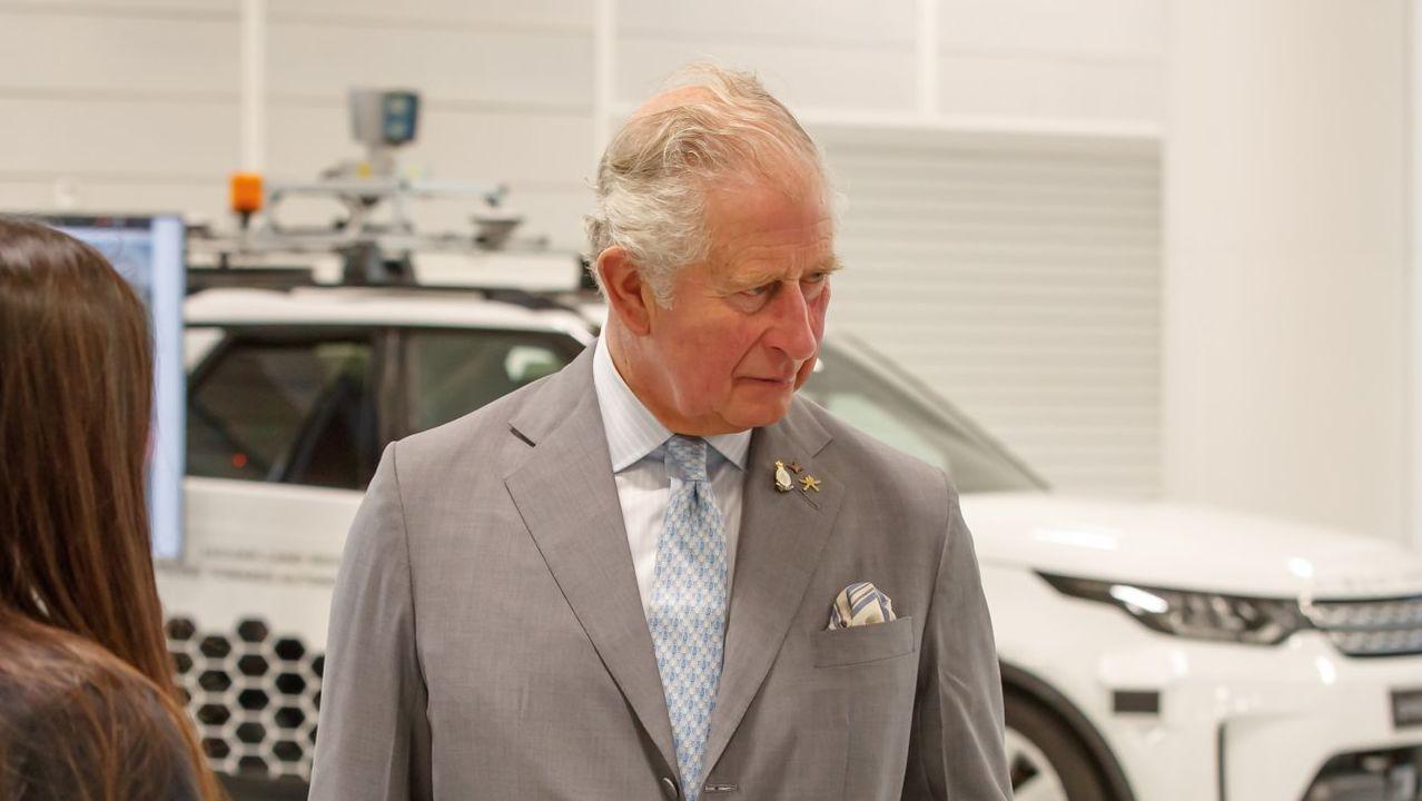 Carlos de Inglaterra da positivo en COVID-19