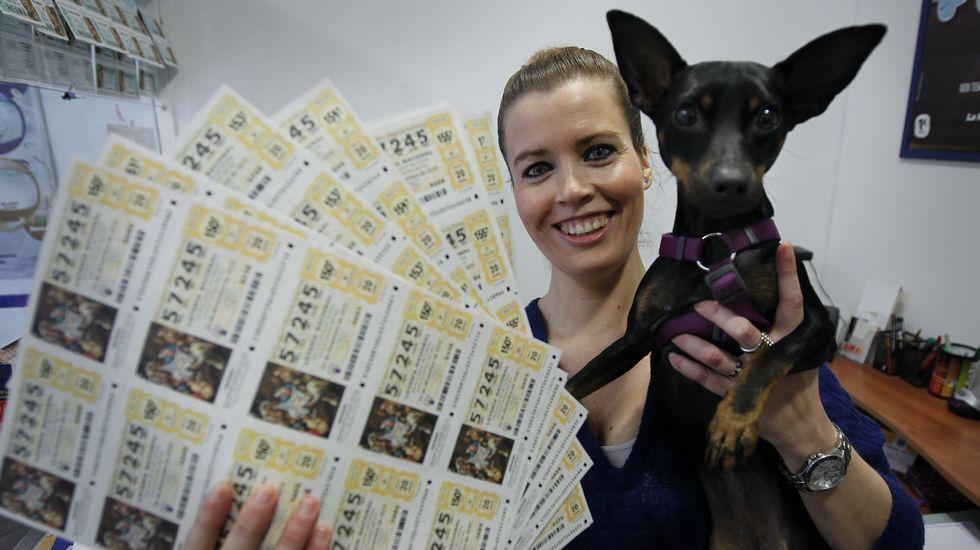Los sueños de la Lotería de Navidad.Paula, ejerciendo por vez primera su derecho al voto