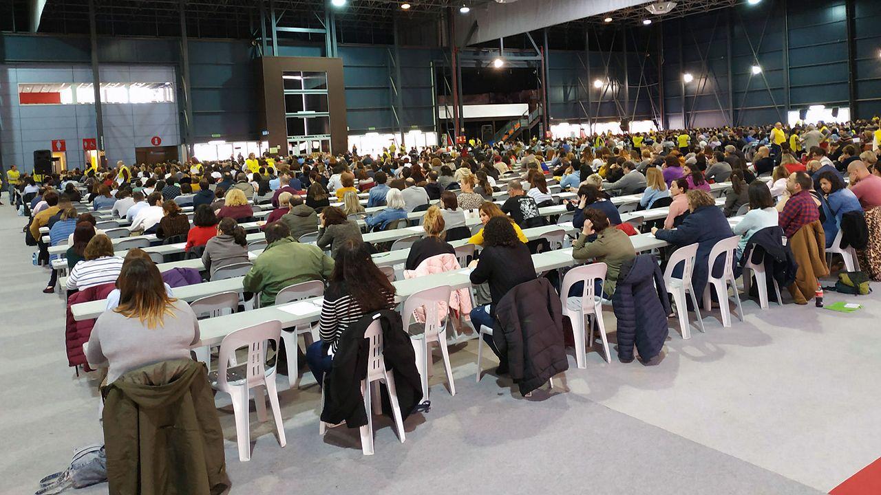 Afectados por la modificación del pacto de contratación del Sespa.Oposición de celadores en Gijón