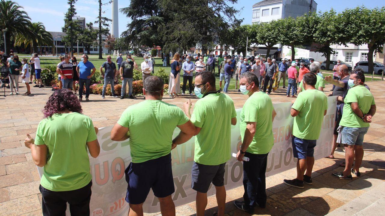 La protesta se llevo a cabo delante del Concello de As Pontes