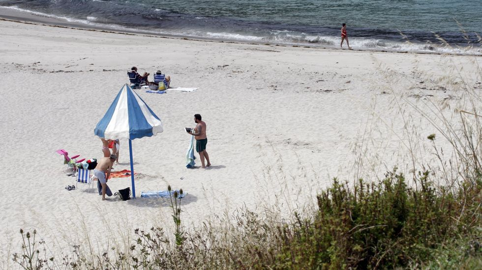 Playa de Retorta, en Boiro.Playa de A Marosa, en Burela