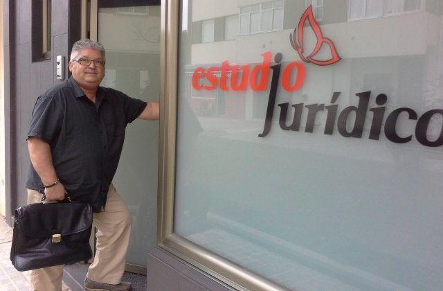 Intervienen el ordenador del exgerente del PP de Madrid en busca de pruebas de financiación ilegal.La firma adjudicataria dispondrá de tres meses para redactar el proyecto de ampliación del hospital.