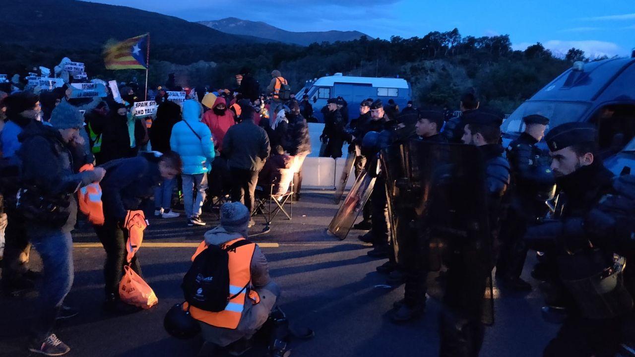 Bloqueo de la AP-7 en La Jonquera (Gerona)