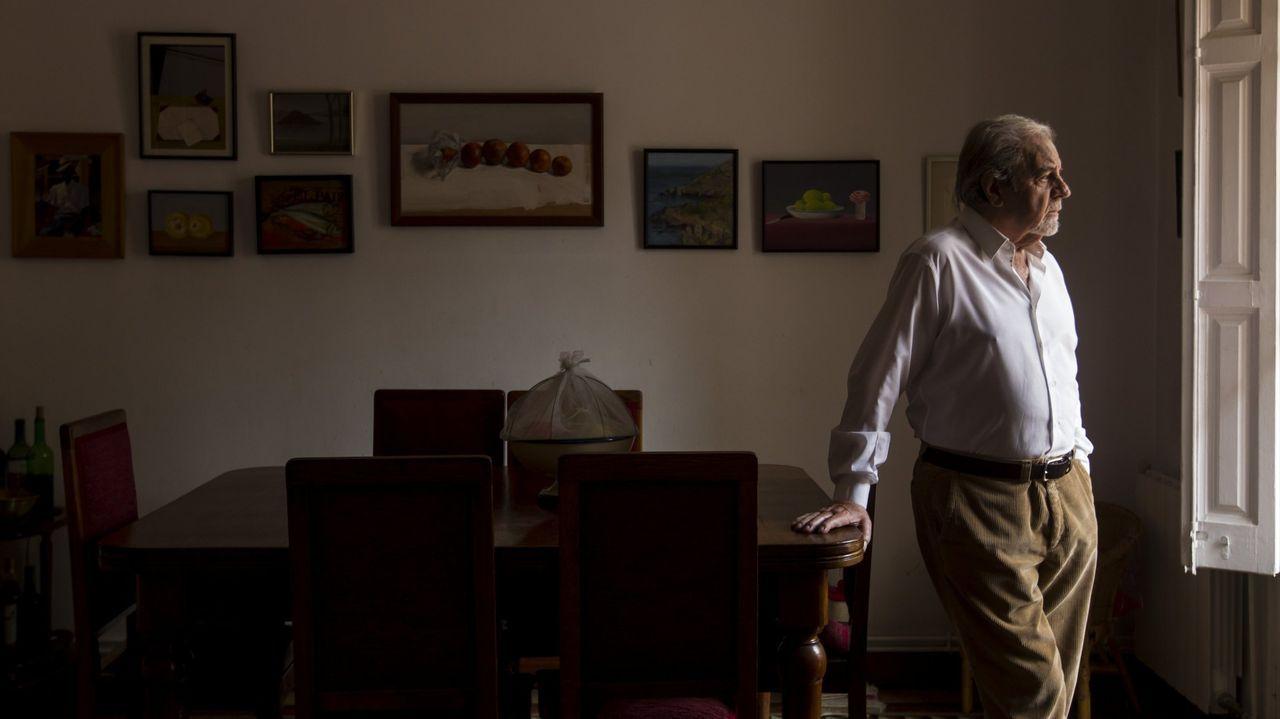 Paisaxes feitas de soños nas terras nas que Europa comeza.José Manuel Caballero Bonald en una imagen del 2007, durante la presentación de su antología poética «Summa Vitae»