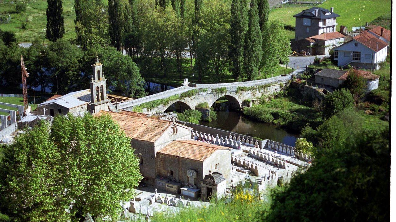 Abren, con cita previa, las oficinas del paro.Imagen de archivo del río Arnoia en Allariz
