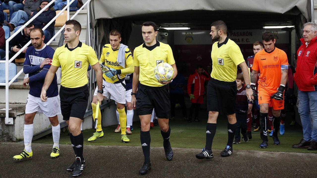 Las imágenes del partido entre el Pontevedra CF y el Marino de Luanco