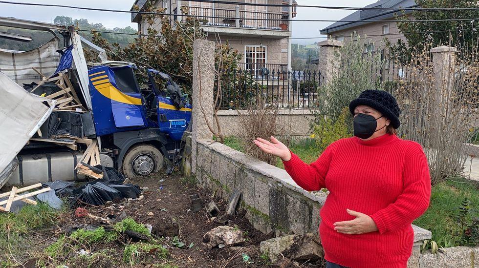 «Sentimos un golpe seco», dice la propietaria de la casa contra cuyo muro chocó un camión de pizarra.Uria visitó el Clúster de la Pizarra en Sobradelo