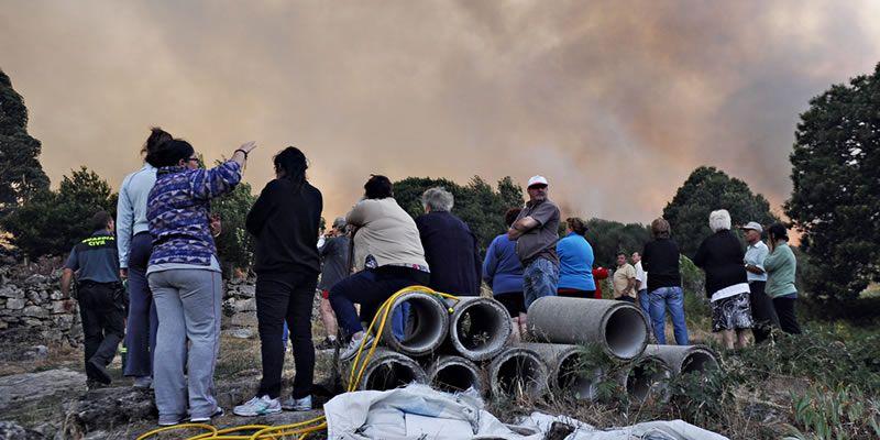 El fuego cercó Cualedro.Fernández de Sousa llega a la Audiencia Nacional