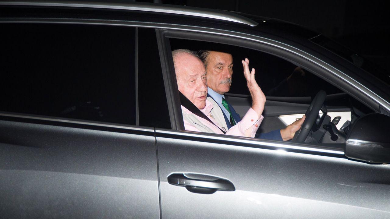 Las imágenes más icónicas de Juan Carlos I en Sanxenxo.El rey Juan Carlos tras recibir el alta médica en agosto, después de haber sido operado
