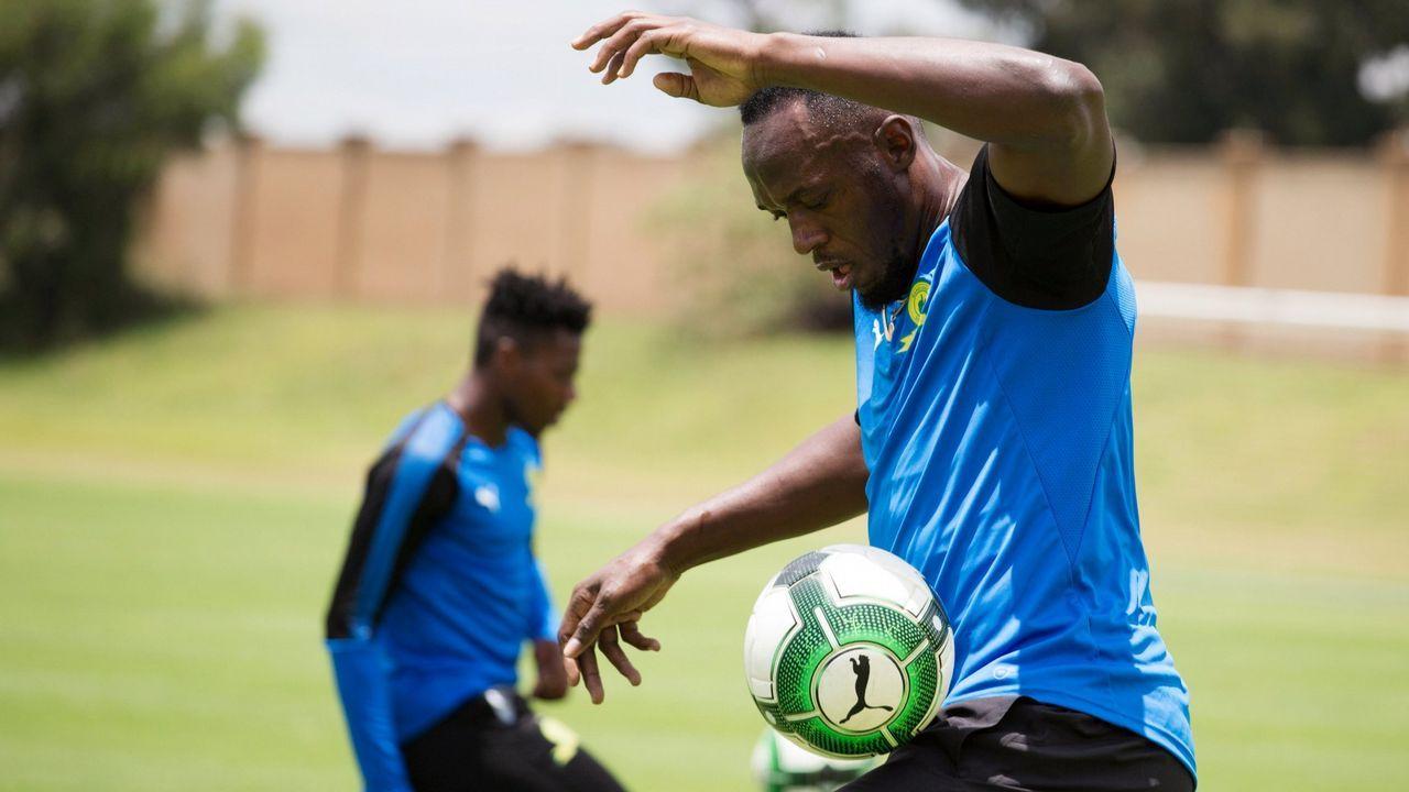 Usain Bolt se pasa al fútbol.Sami, de 14 años, salió a jugar y perdió las piernas. «Vi las manos de mi primo volando frente a mí»
