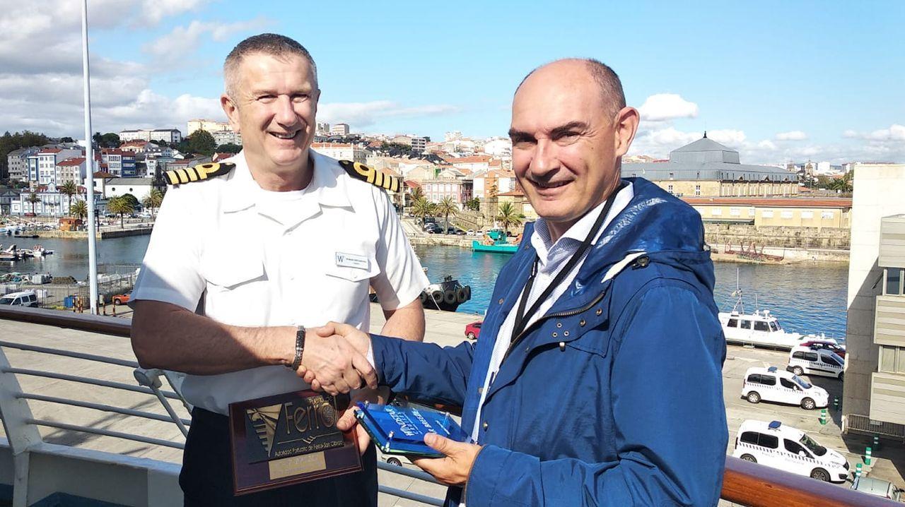 El Patiño realiza un doble suministro de combustible con las fragatas Álvaro de Bazán y Almirante Juan de Borbón