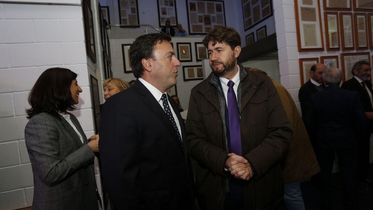 Valentín González Formoso, presidente de la Diputación, y Carlos Calvelo, alcalde de Arteixo