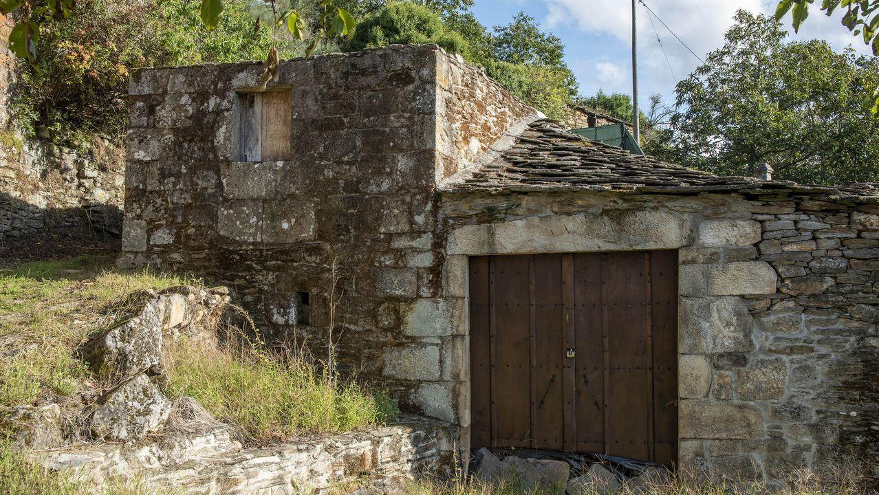 Construcciones tradicionales en la aldea sde Reiriz