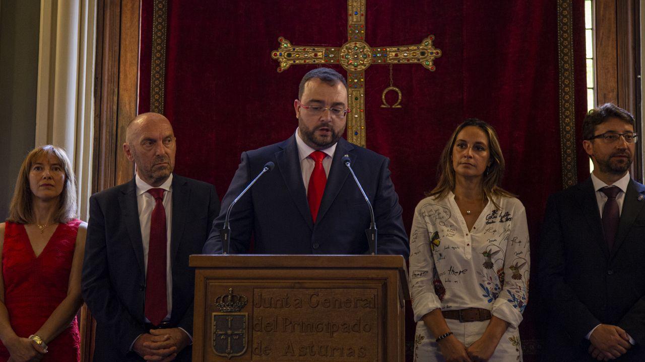 El presidente del Principdo, Adrián Barbón en la Investidura